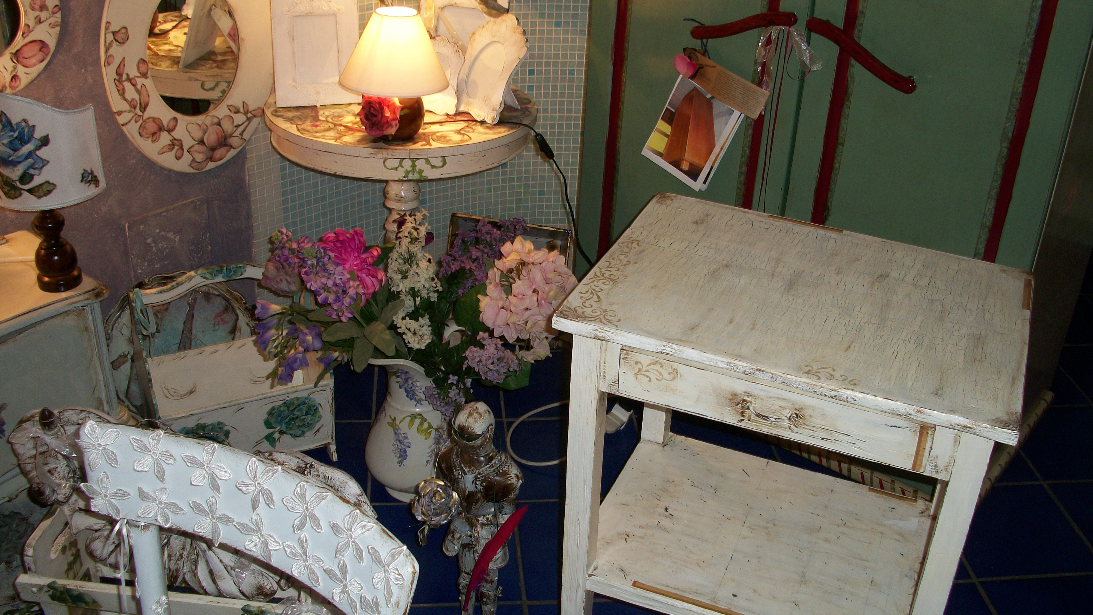 shabby chic madame berlingette. Black Bedroom Furniture Sets. Home Design Ideas
